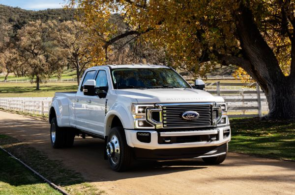 2020 Ford F 450 Super Duty Limited Exterior Front Quarter 01 Photo 264532139