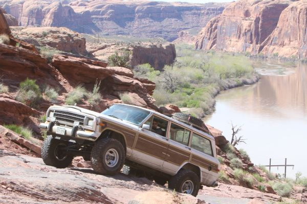 08 2019 Easter Jeep Safari Fullsize Invasion Moab Rim.JPG Photo 174176892