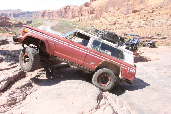 22 2019 Easter Jeep Safari Fullsize Invasion Moab Rim.JPG Photo 174177075