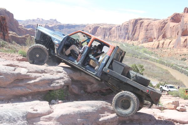 23 2019 Easter Jeep Safari Fullsize Invasion Moab Rim.JPG Photo 179035570